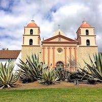 サンタバーバラ(カリフォルニア)  1786年にスペインのフランシスコ会修道士によって設立された建造物、ミッション・サンタバーバラ。民族博物館のような敷地内を散策。  #santabarbara #california #oldmissionsantabarbara