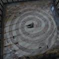 カラブリア州の小さな村サン・デメトリオ・コローネのサンタドリアーノ修道院の床に残るモザイク 実は美術愛好家の間ではそこそこ有名
