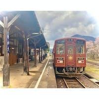 #鳥取 #若桜鉄道 #若桜駅  重要文化財にも選ばれている、この木造の駅舎がとても好き🥰 駅構内にある「喫茶レトロ」も雰囲気が良くて大好きです☕️ 早くまた美味しい珈琲を飲みに行きたい