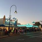 ピスモビーチ(カリフォルニア)  ダウンタウンの数あるレストランの中でも、リピーターが多いスプラッシュ・カフェ(Splash Cafe)。一番人気は、ブレッド・ボウルに入ったクラムチャウダー。  #pismobeach #california #clamchowder #splashcafe