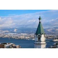 北海道 〜函館ハリストス正教会〜 ここからのアングルで撮影 したら海外みたいな風景に 見えるのでオススメです。