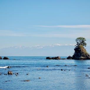海越しに立山連峰が見える!