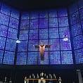 ドイツ ベルリン カイザーヴィルヘルム記念教会に併設されている新教会。 青のステンドグラスが壁一面にあり神秘的な教会です。
