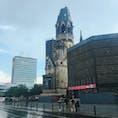ドイツ ベルリン カイザーヴィルヘルム記念教会。 第二次世界大戦で破壊された状態のまま残されています。