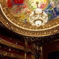 パリ オペラ・ガルニエ🎶 オペラの公演がない日に見学しました。 豪華な観覧席と優しい色使いのシャガールの天井画🤤