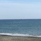 茅ヶ崎市の烏帽子岩を見に行きました  サザンオールスターズの歌で有名です チャコの海岸物語 希望の轍