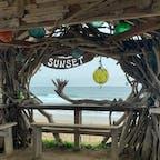 . 糸島の有名スポット あいにくの天気でしたが 晴れていればサンセットの時間帯がオススメみたいです🌅