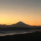 夕方の湘南海岸公園です  富士山が見えます