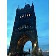 チェコ プラハ カレル橋 これから夜が更けていく神秘的な雰囲気