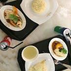 . シンガポールと言えば チキンライス! てことで割と綺麗めなお店で食べたのに この後かつてないほどの腹痛に見舞われた  #海外旅行 #シンガポール #チキンライス #旅行飯