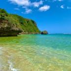 果報バンタ下のンダカチナ浜 陸路は無いのでカヤックで行きました。  #果報バンタ #沖縄