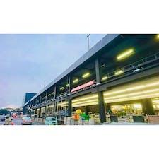 【千葉/印西牧の原】ジョイフル本田 千葉ニュータウン店  東京ドーム3.6個分の超大型ホームセンター。 大抵の日用品はここで済むし、 エリア内にはスポーツクラブ,飲食店,スーパーマーケットやユニクロ,映画館もある為、人によっては1日潰せると思います。  車の方が行きやすいですが、 印西牧の原駅と千葉ニュータウン中央駅から無料送迎バスも出ているようです。   #ホームセンター #ジョイフル本田 #千葉県 #印西市 #千葉ニュータウン #印西牧の原