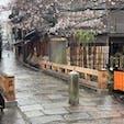 祇園白川巽橋 夜はほんと情緒が有り、舞妓さんや芸妓さんの姿が見られます。 昼間の舞妓さん姿は観光客が貸衣装で楽しんで居ます。 #サント船長の写真 #サントの桜巡り #京都