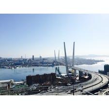 【🇷🇺Россия/Владивосток】 黄金橋 「東方を征服せよ」の意味の町、ウラジオストク。 どこか埃っぽく、落ち着いた雰囲気。