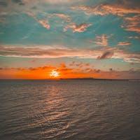 赤浜漁港から見る夕日と伊良部大橋  #赤浜漁港 #伊良部大橋 #宮古島
