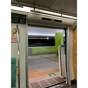 福岡市営地下鉄七隈線 六本松駅