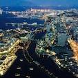 横浜:ランドマークタワーの上から見た夜景。