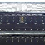 京都三大門 知恩院 元和7年(1621)、徳川2代将軍秀忠公の命を受け建立されました。 構造は五間三戸・二階二重門・入母屋造本瓦葺(いりもやづくりほんがわらぶき)で、高さ24メートル、横幅50メートル、屋根瓦約7万枚。その構造・規模において、わが国最大級の木造の門で、外に掲げられている「華頂山」の額の大きさは畳2畳以上です。   #サント船長の写真 #京都 #門巡り
