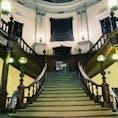 大阪府立中之島図書館  外観にも圧倒されたけど 館内に入ったらこの大階段で驚き!
