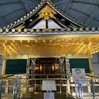 中には安土城の天守の上層部が実物台で再現されています。 残念ながら天守は完成して3年後には焼失したようですが、これが実物に近いなら、信長は秀吉に負けず劣らず派手好きですね。