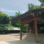 虹が架かる安房神社