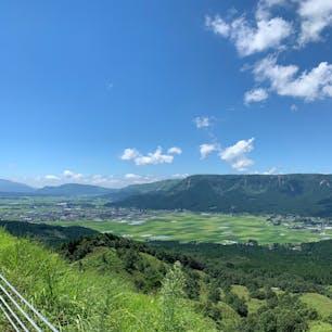 阿蘇 大観峰近くから阿蘇の町