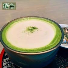 ※過去の抹茶開拓 第2弾🌱  桜台駅すぐのところにあるcafe eight☕️  こちらで抹茶ラテをいただいてみた🍃 ここのラテは甘くて柔らかいような優しい味で、とてもホッコリする☺️ 抹茶独特の苦味はないので、苦いのが好みではない方にはおすすめかも💡 あとおつまみとして海苔煎餅がついてきたのは個人的にちょっと嬉しかった😂  とても落ち着いた雰囲気のカフェなので、また行きたい🍵    #cafe #tearoom #ramen #sakuradai #tokyo #japan #cafeeight #matchalatte #matcha #latte #senbei #桜台 #練馬 #東京 #日本 #カフェエイト #抹茶ラテ #抹茶 #ラテ #抹茶好き #桜台カフェ #練馬カフェ #抹茶スイーツ #抹茶控  #カフェ巡り  #抹茶情報 #ijustlovegreentea