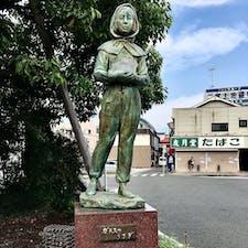 映画『東京大空襲 ガラスのうさぎ』の二宮駅に行きました  東京大空襲で母親と妹を失い、疎開途中の神奈川県二宮町でアメリカ陸軍のP51ムスタングの機銃掃射で父親も失いました  戦争反対 世界中から戦争がなくなりますように・・・