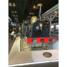 鉄道博物館へ行って来ました。 国産第一号の機関車が展示されてます。