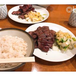 仙台 牛タン どこのお店で食べても美味しい! この肉厚感がたまらないです。