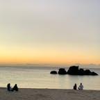 沖縄北谷 アラハビーチ 夕空を見ながら語り合う人たちが多くいた。 ゆっくり時が流れていたなぁ。 素敵な時間の使い方(^^)