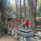 商売繁盛の神社 豊川稲荷 狐様がたくさん