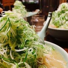 札幌ラーメン:狸小路(札幌) 喜来登のネギたっぷりな味噌ラーメン 感染予防対策で、入場制限と換気もしっかり実施してくれているので、安心して美味いラーメンを楽しめました。