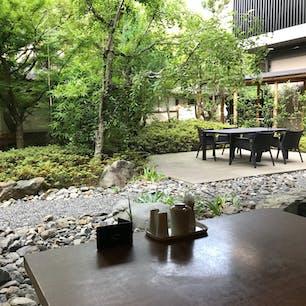東急ハーヴェスト京都鷹峯 夕食は河床で会席。 京都らしくて良かったです。 お風呂にはケーブルカーに乗って移動。 郊外にあるので落ち着いていて素敵な宿です。