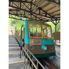 妙見の森ケーブル 兵庫 川西 能勢電鉄が運営する兵庫県川西市の黒川駅からケーブル山上駅を走るケーブルカー。