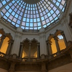 ロンドン テイト・ギャラリーのドーム 大きくてスマホ画面に入らない
