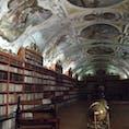 プラハ ストラホフ修道院図書館 ここのビールがまたもうたまらなく美味しい