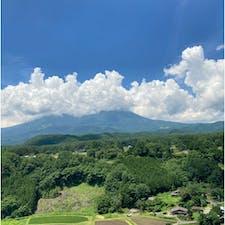 御嶽ビュースポット柳又 夏は雲がかかってしまう事が多いです。 雲の中には雄大な御嶽山。