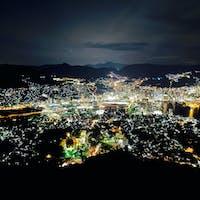 稲佐山の夜景 センターにハートがあります