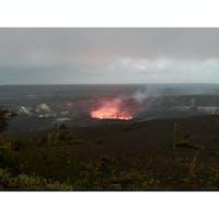 2017年のキラウエア火山、ハレマウマウ火口。 現在では火口もかなり広がってマグマを見ることはできないけど、それは地球が生きている証☝️🌋  #ハワイ島 #ハワイ旅行 #ハワイ #キラウエア火山