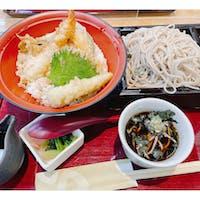 家族亭 千里中央店 天丼セット ざるそば大盛り😁 鱧の天ぷらちょこっとついてた。