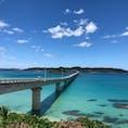 山口県 角島大橋🌉 コバルトブルーの海があまりにも綺麗で吸い込まれそうでした😆 前から行ってみたいなぁと思っていたので、この景色を見ることができてとても幸せでした😌