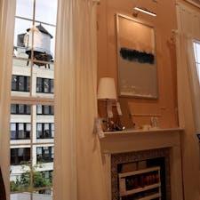 New York / Manhattan IKEA Planning Studio 2019年4月にマンハッタンにオープンした米国初の都市型店舗は、フードコートもない、小さな「イケア」。プランニング・スタジオと言うだけあって、専門家たちがニューヨーカーが住む都市型の狭い住居スペースを、いかに広く見せるかなど提案してくれます。 #newyork #manhattan #ikea