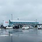 オホーツク紋別空港 1日1本の定期便に乗ってきた。 初上陸。アクセスは車が大半。鉄道はない。 あいにくの雨だー🥺。 次来るのいつなんだろう...