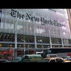 New York / Manhattan The New York Times Building タイムズスクエア近くにある、ニューヨーク・タイムズ社。 ニューヨーク・タイムズ紙の人気コラム「Modern Love(モダン・ラブ)」に、実際に投稿されたエッセーに基づき、愛の喜びや苦悩についてのストーリーを映像化した、アマゾンプライムドラマ「モダン・ラブ」シーズン2が、2021年8月13日(金)から配信!楽しみです。 #newyork #manhattan
