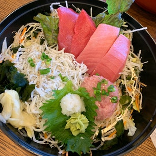 江ノ島海鮮丼