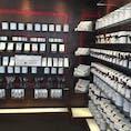 Christpher Elbow 日本にも隠れファンが多い、アメリカのモダンチョコの名店🍫  お土産に買うと大変喜ばれます。店内のイートインも、VIPサロンのようなオシャレさです。  Hayes Valleyに行ったらぜひ覗いてみたいお店です🎶