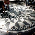 New York / Manhattan Central Park / Strawberry Fields いつもたくさんの観光客が集まっている、ストロベリーフィールズ。 #newyork #manhattan #centralpark