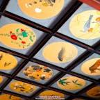 北海道の増毛(ましけ)町に鎮座する増毛郡総鎮守「増毛厳島神社」。広島の厳島神社から分霊された由緒正しい神社です。珍しい朱色の本殿に施された彫刻が美しく、彫刻神社の異名を持つほどです。びっしりと埋め尽くされた天井画や北海道有形文化財に指定されている大絵馬など、歴史的にも文化的にも見どころの多い美しい神社です。#北海道 #増毛 #増毛厳島神社