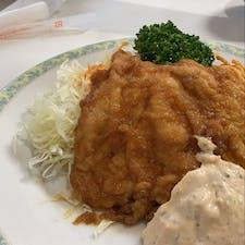 📍宮崎県 / おぐら チキン南蛮  普段、チキン南蛮はパリパリ派の私ですが、ここのチキン南蛮の味最高に美味しかった! タルタルソースも美味しい😩💕気に入りました